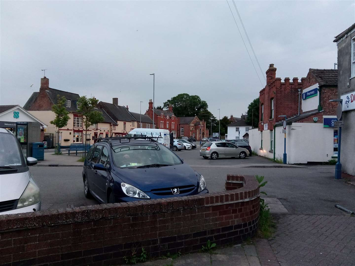 Fed-up parish councillors could bring in a private firm to manage parking in Market Place. (2451610)