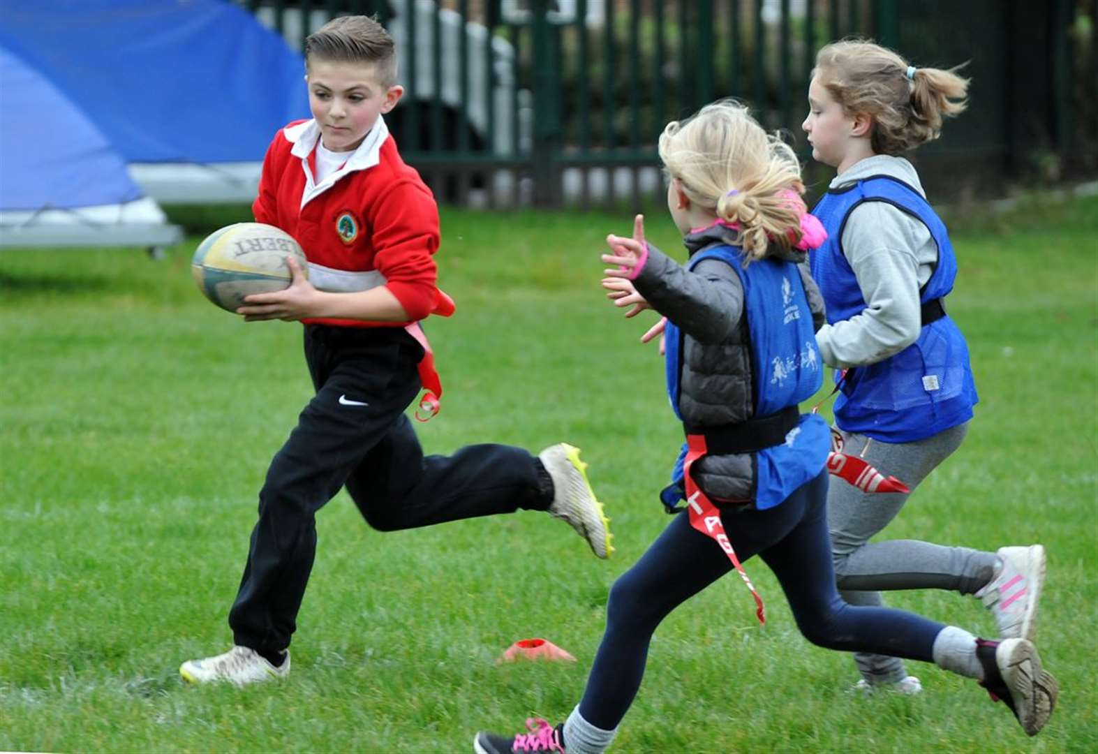 Primary School pupils get together for first taste of rugby