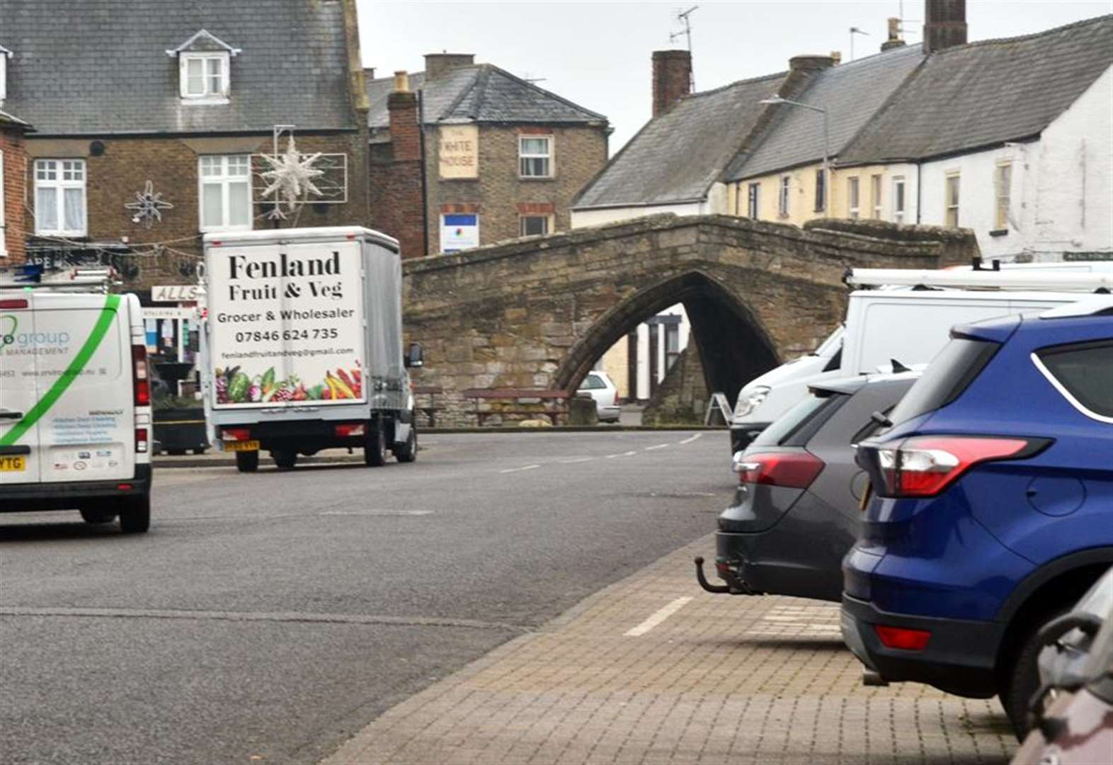 CROWLAND PARISH COUNCIL: Ideas on the table to solve parking issues in town centre