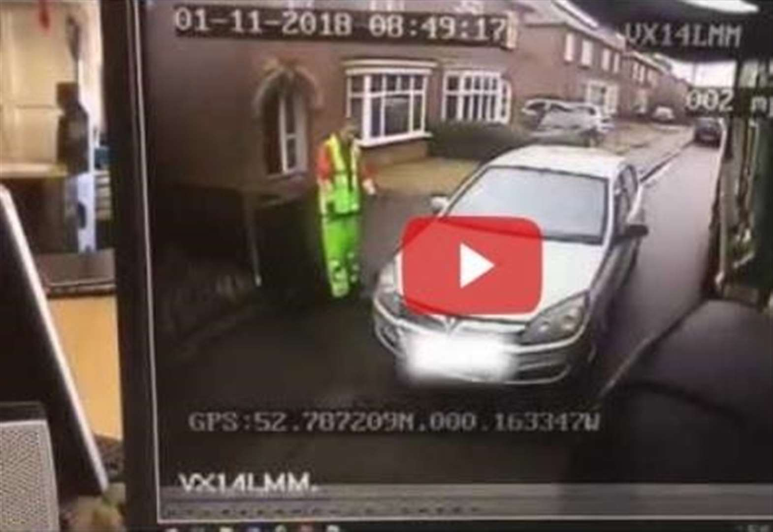 VIDEO: Car mounts pavement in Spalding and nearly hits council worker