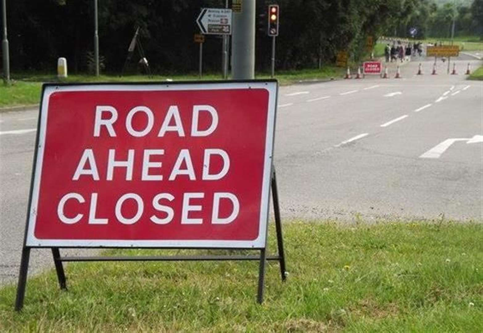 Road closed as engineers repair pipe