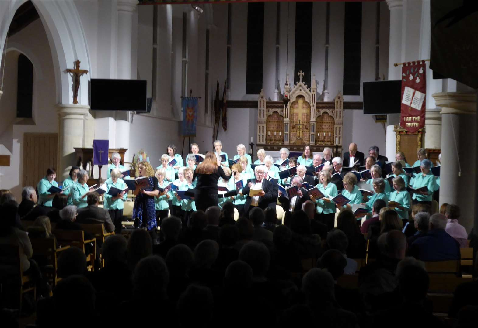 CONCERT REVIEW: New beginnings for South Holland Singers under new musical director