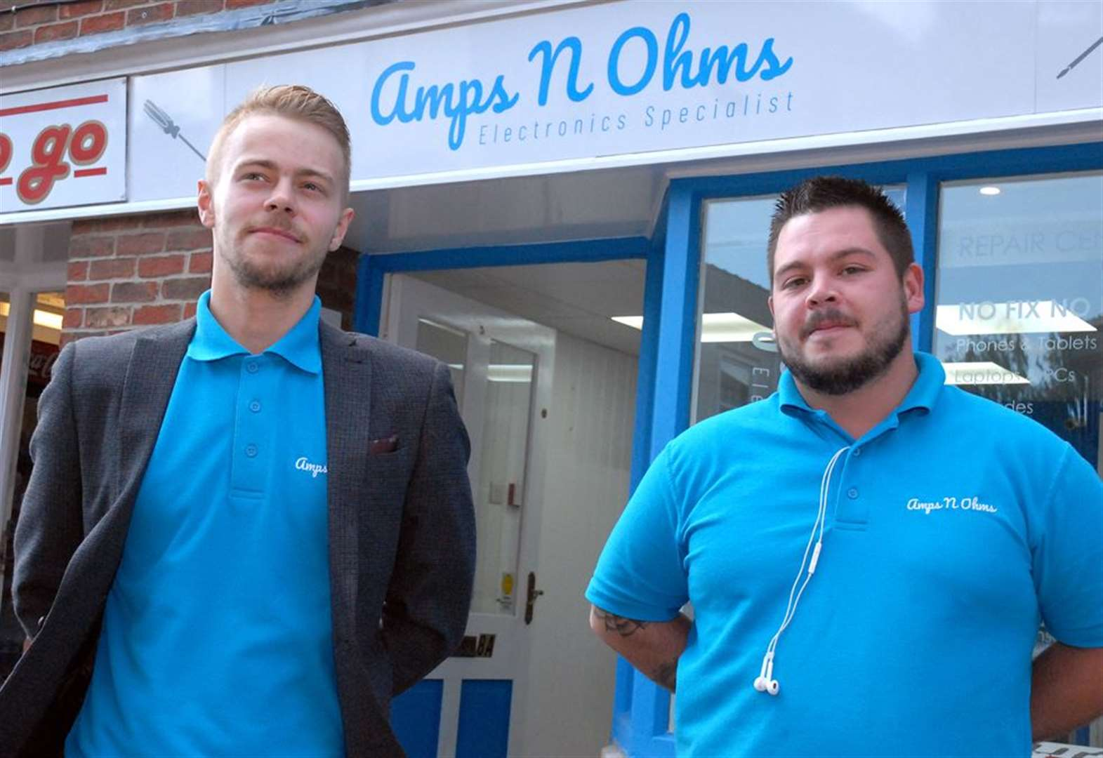 Business pair plan to power ahead after opening IT repairs shop