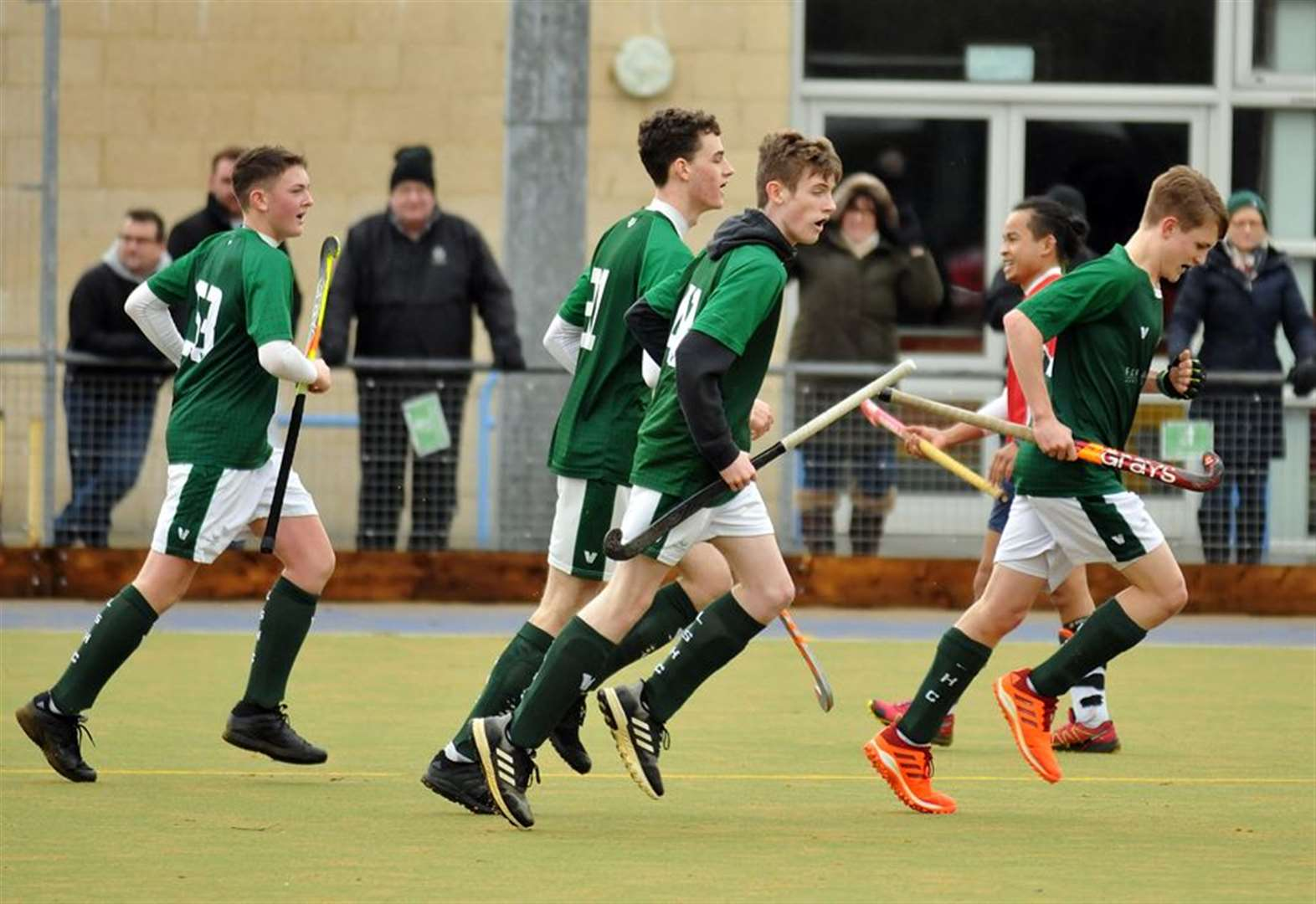 HOCKEY AND PHOTO GALLERY: Fourth win of the year for Sutton 1sts