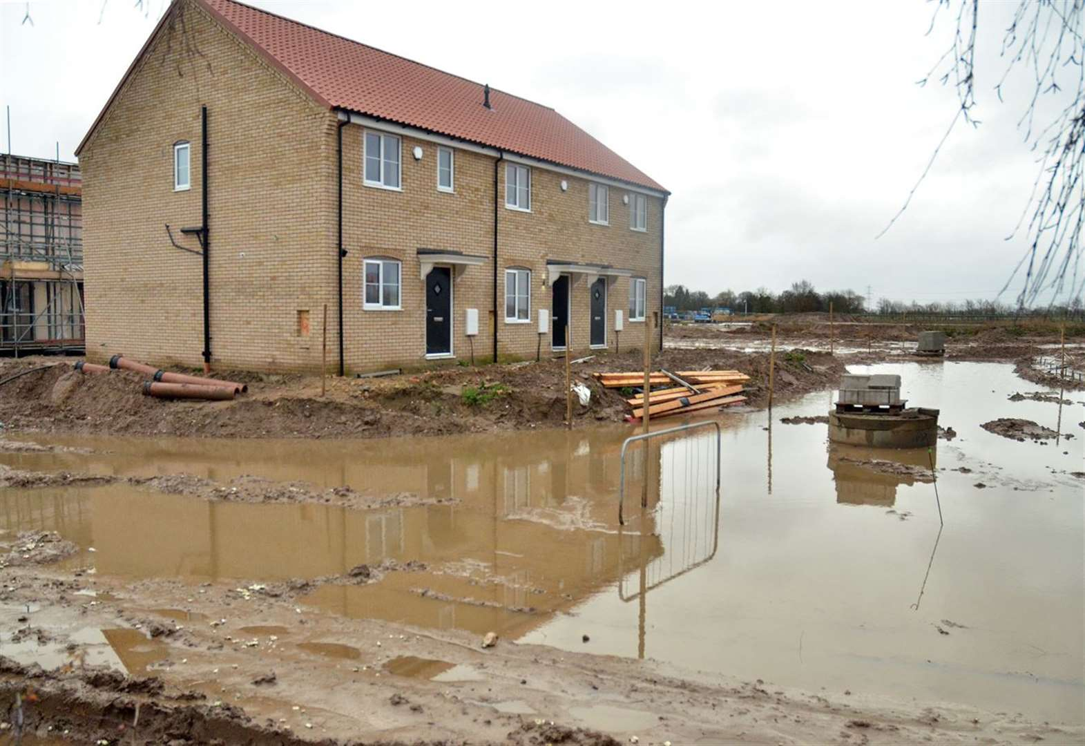 "South Holland forced to build in ""high risk"" flood areas"