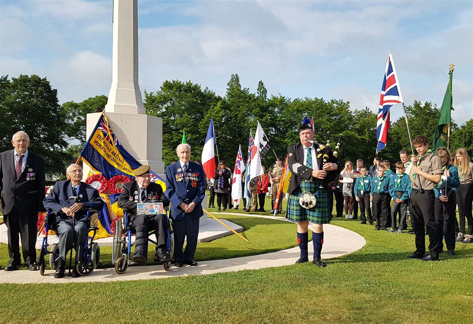 D-DAY 75: Young people from South Holland join D-Day commemorations in France