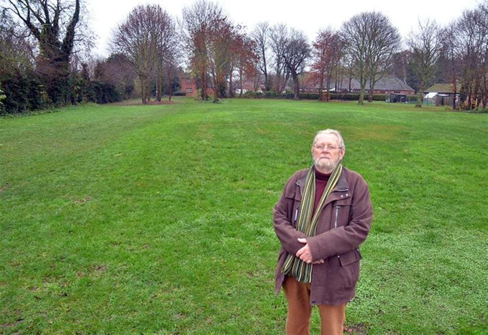Is district council planning to build bungalows on Holbeach play area?
