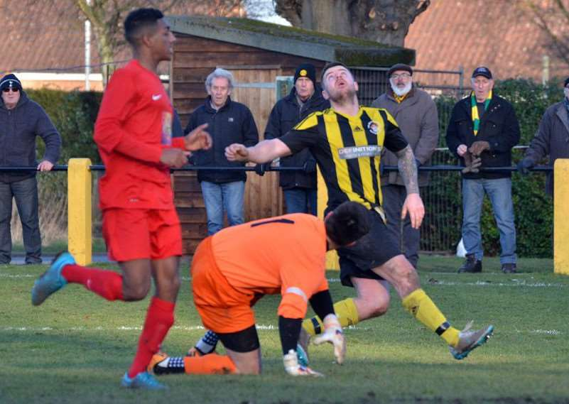 Holbeach United v Leicester Nirvana