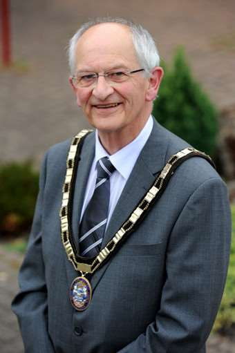 Former council chairman Robert Clark has died.