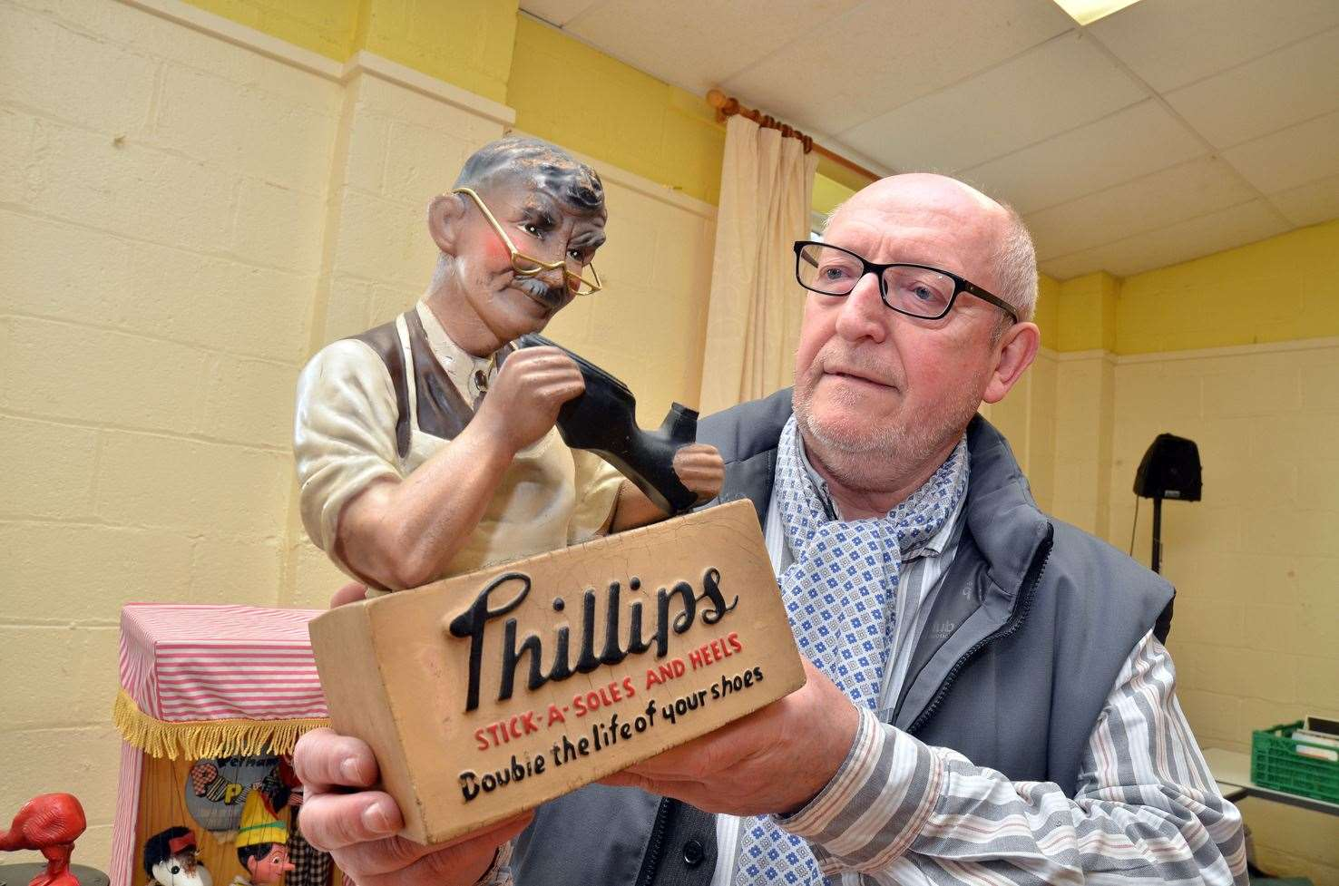 Speaker Keith Talbot talking about vintage shop advertising display figures at the meeting on Thursday. (8298394)