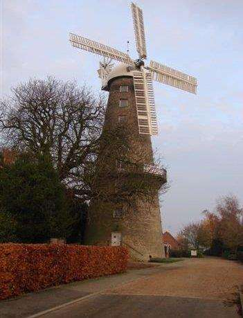 Moulton Windmill. Photo by Geoff Taylor. (2296700)