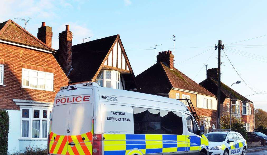 Police vehicles outside a house in Neville Avenue, Spalding, where the body of a 49-year-old man was found on Sunday morning. Photo: SG-261118-001TW. (5618987)