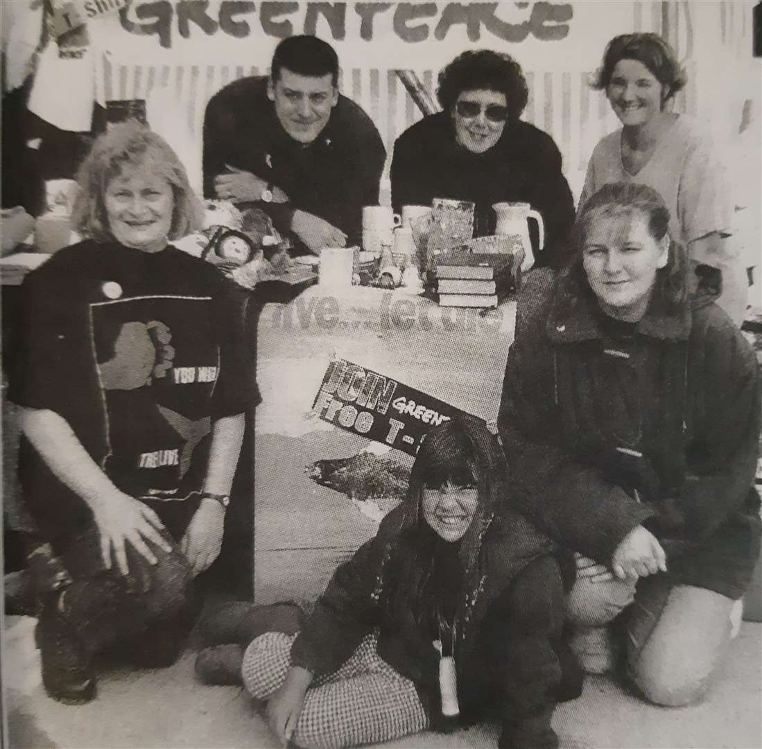 Spalding Greenpeace members and friends in 1995. (36070656)
