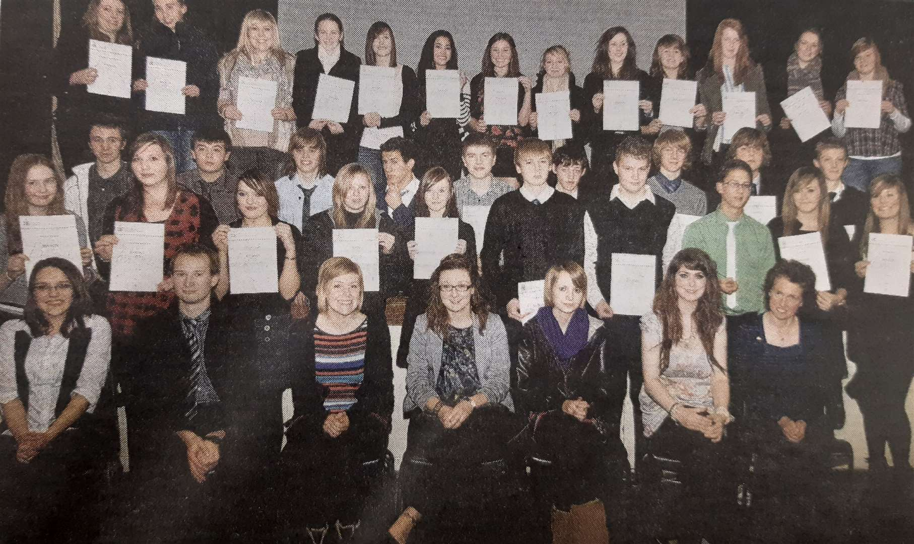 2011 Duke of Edinburgh Gold Award winners (from front, second left) Timothy Boor, Polly Schwarz, Amie Chesworth, Hannah West, Katherine Reid and DrCath Hamblin, with other pupils who picked up their certificates. (43926248)