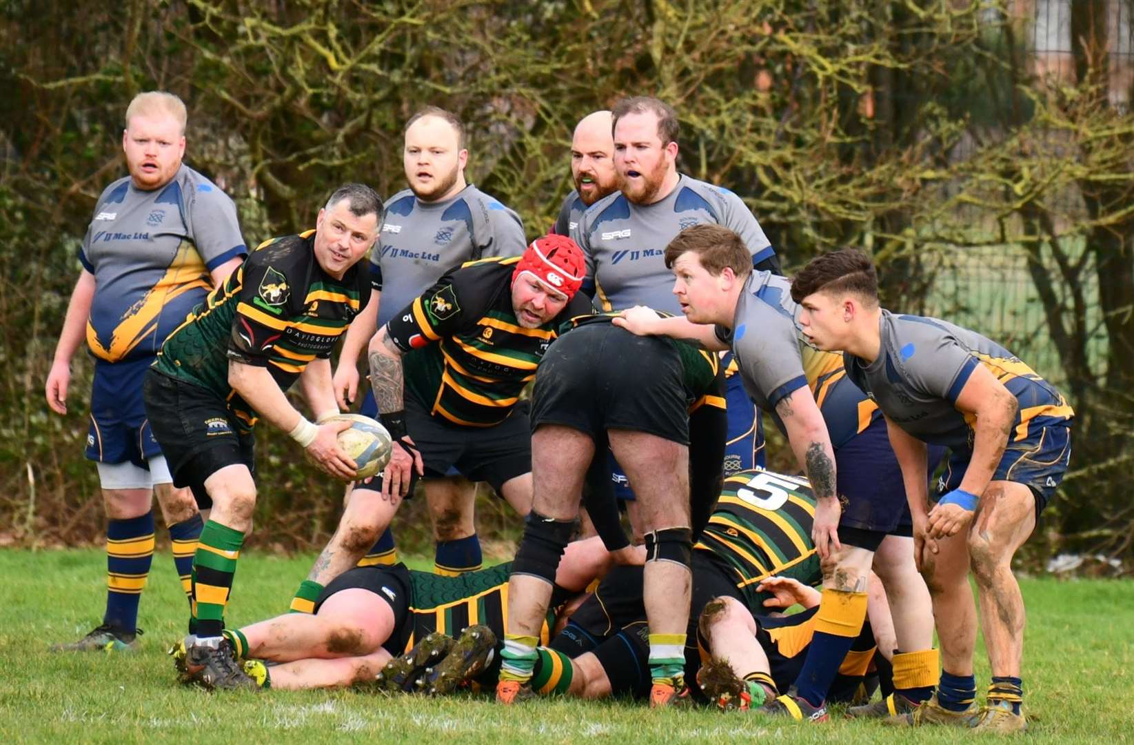 Action from Deepings' Vets against Bourne 2nd XVs at Linchfield Road.Photo by Alan Hancock. (30030674)