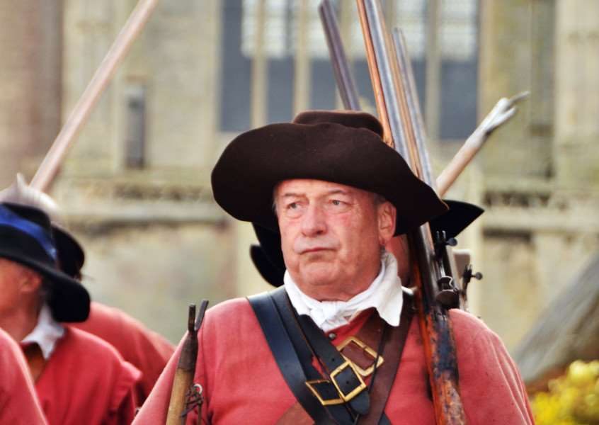 Members of the Sealed Knot put on an impressive show. (SG170917-142TW)