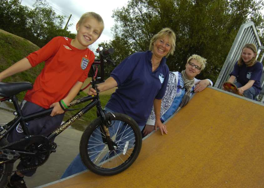 Lucas Inglis, Margaret Wright, Scott Sandall and Alicia Inglis celebrate the opening of Flinders Founders Teen Park in 2008.
