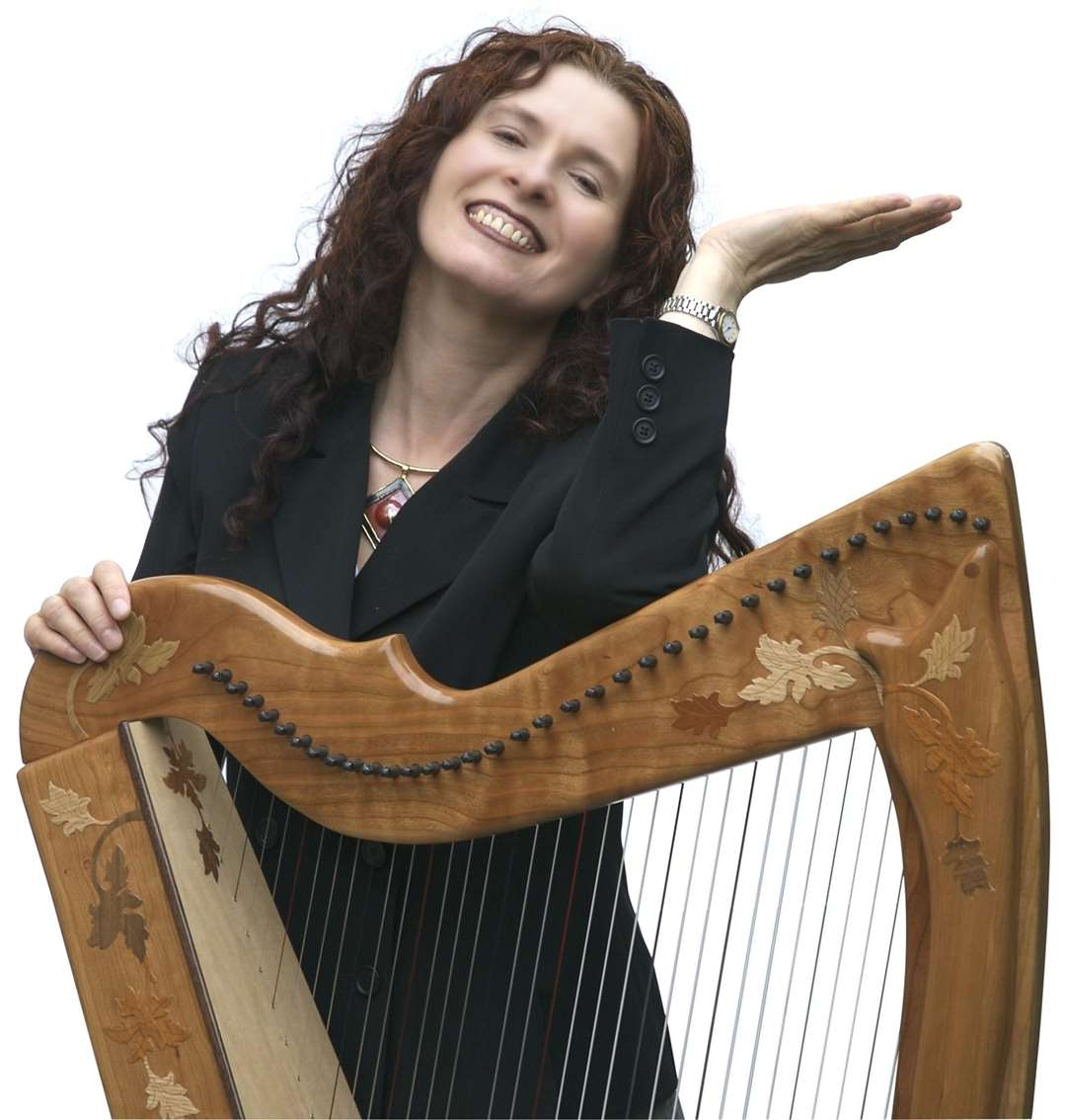 Harpist Maire Ni Chathasaigh. Photo by Hilary James. (6050469)