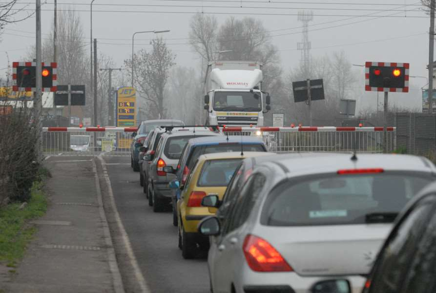 Cars queing at Tallington level crossing.'Photo: SM160311-025ow.jpg