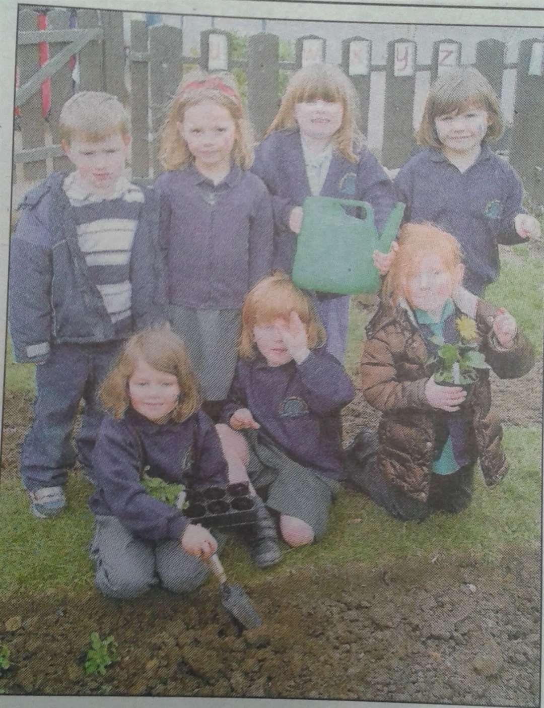 Young gardeners from Deeping St James Primary in 2009. (8311051)