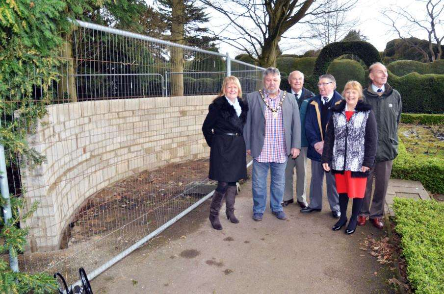 Spalding's WWII Memorial Committee Jan Whitbourn, Rodney Grocock, Ken Willows, Keith Crawford, Christine Grocock and David Allmond. Photo (TIM WILSON): SG040418-117TW