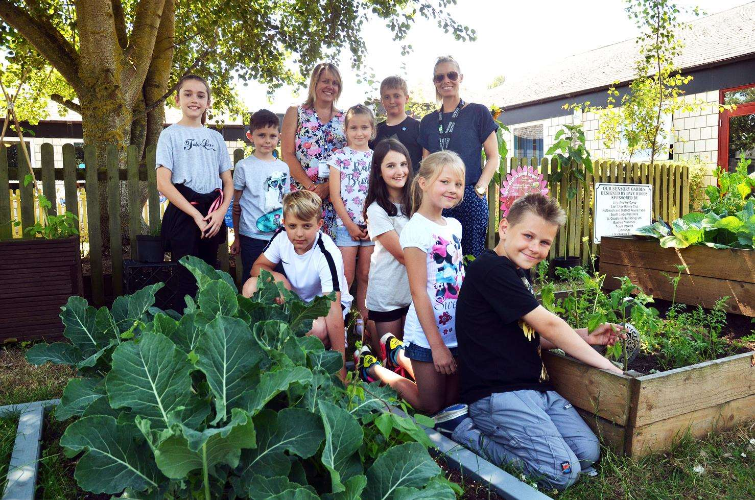 Holbeach in Bloom judging at Holbeach Primary AcademyJudge,staff and children at the vegetable patch (2919478)