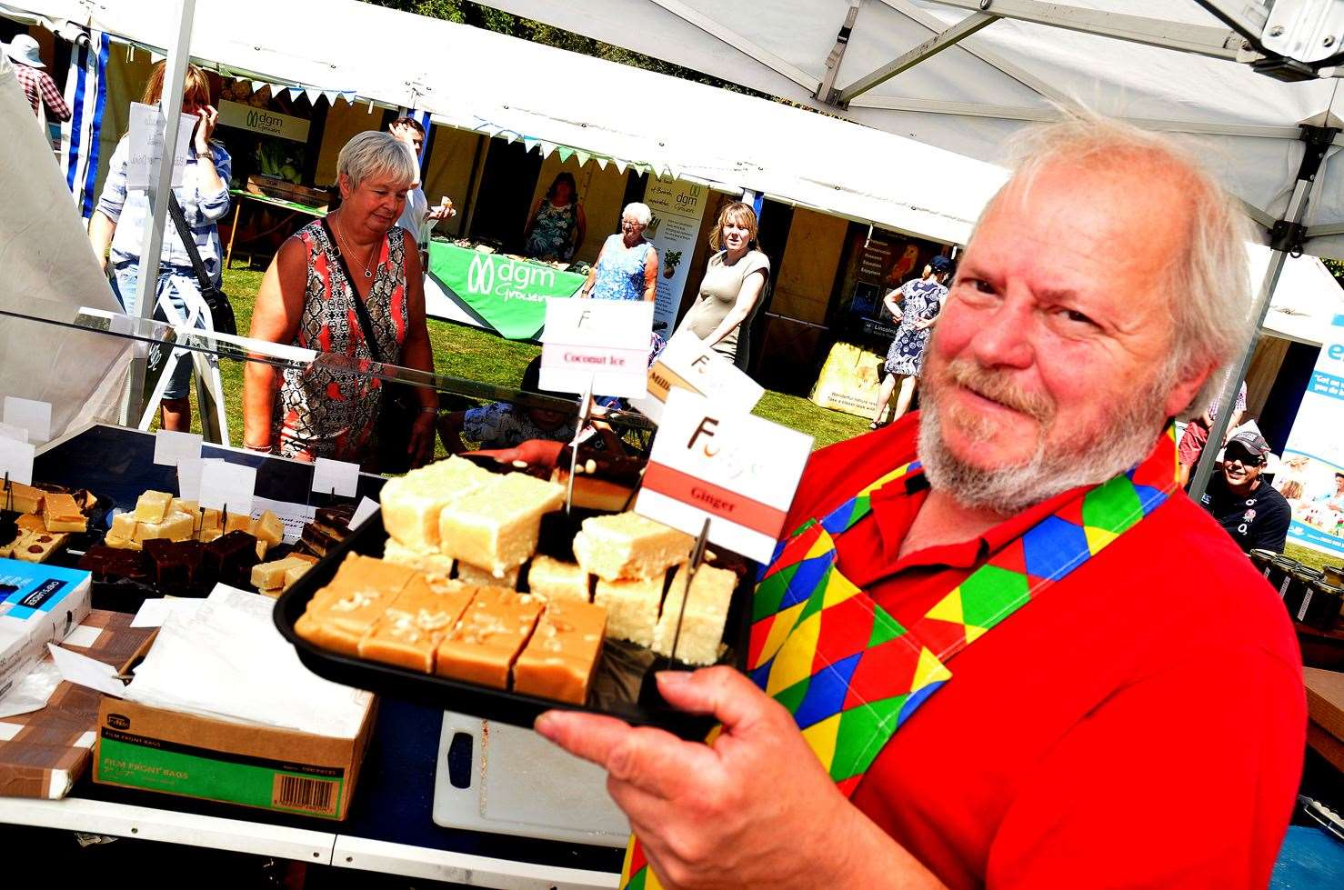 Deeping Fudge with Les Green at last year's event. (2805078)