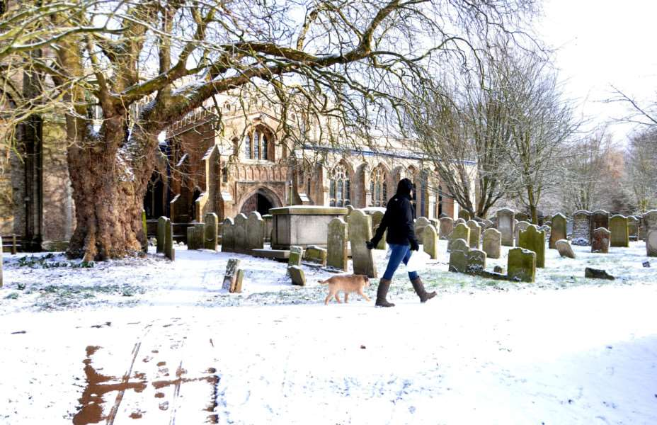Snow around Long Sutton church