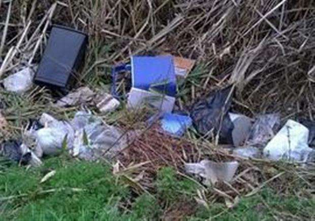 Fly tipping (5752921)