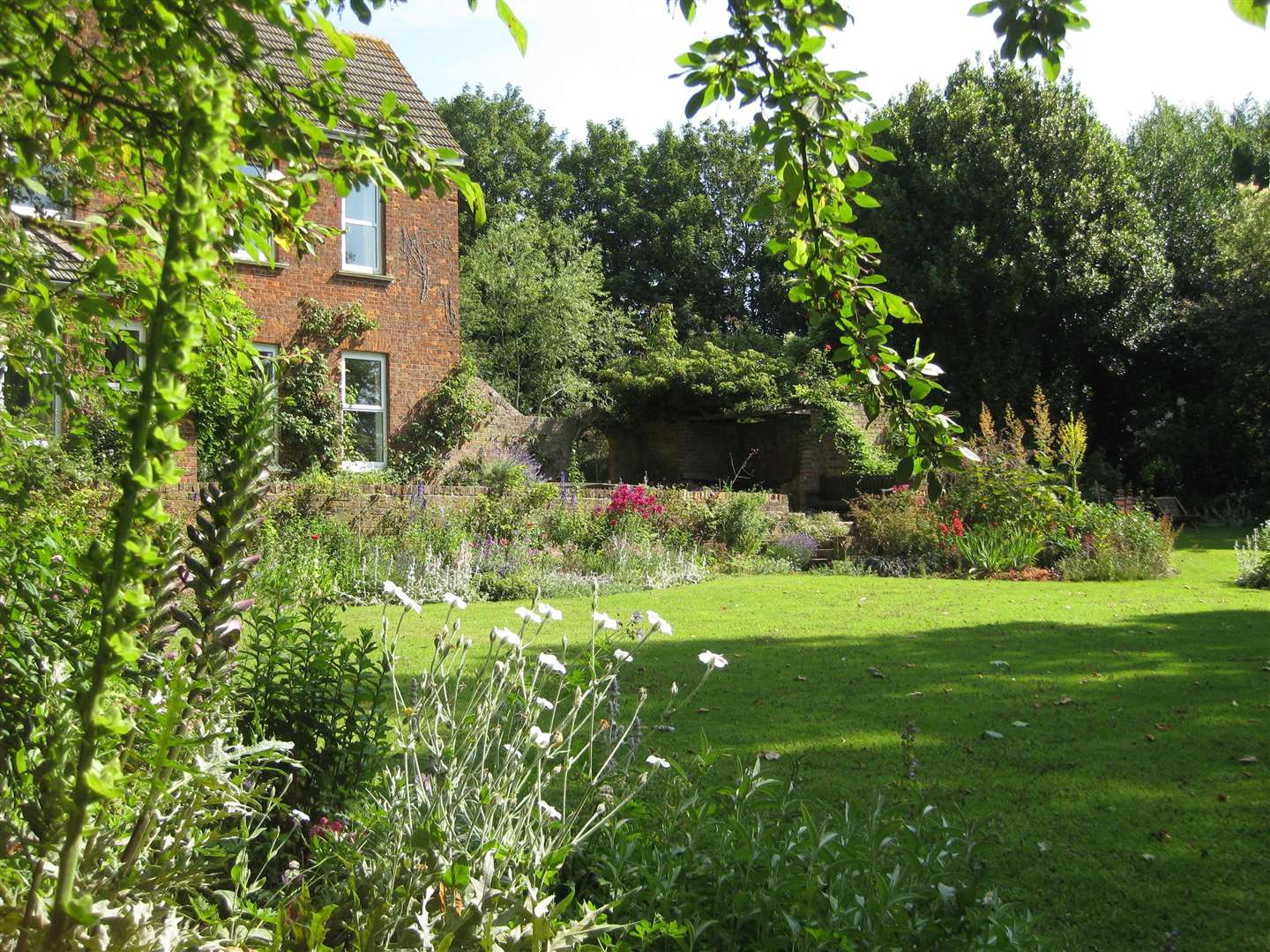 The gardens at The Old Vicarage in Holbeach Hurn are opening for charity this Sunday (June 3). (2261967)