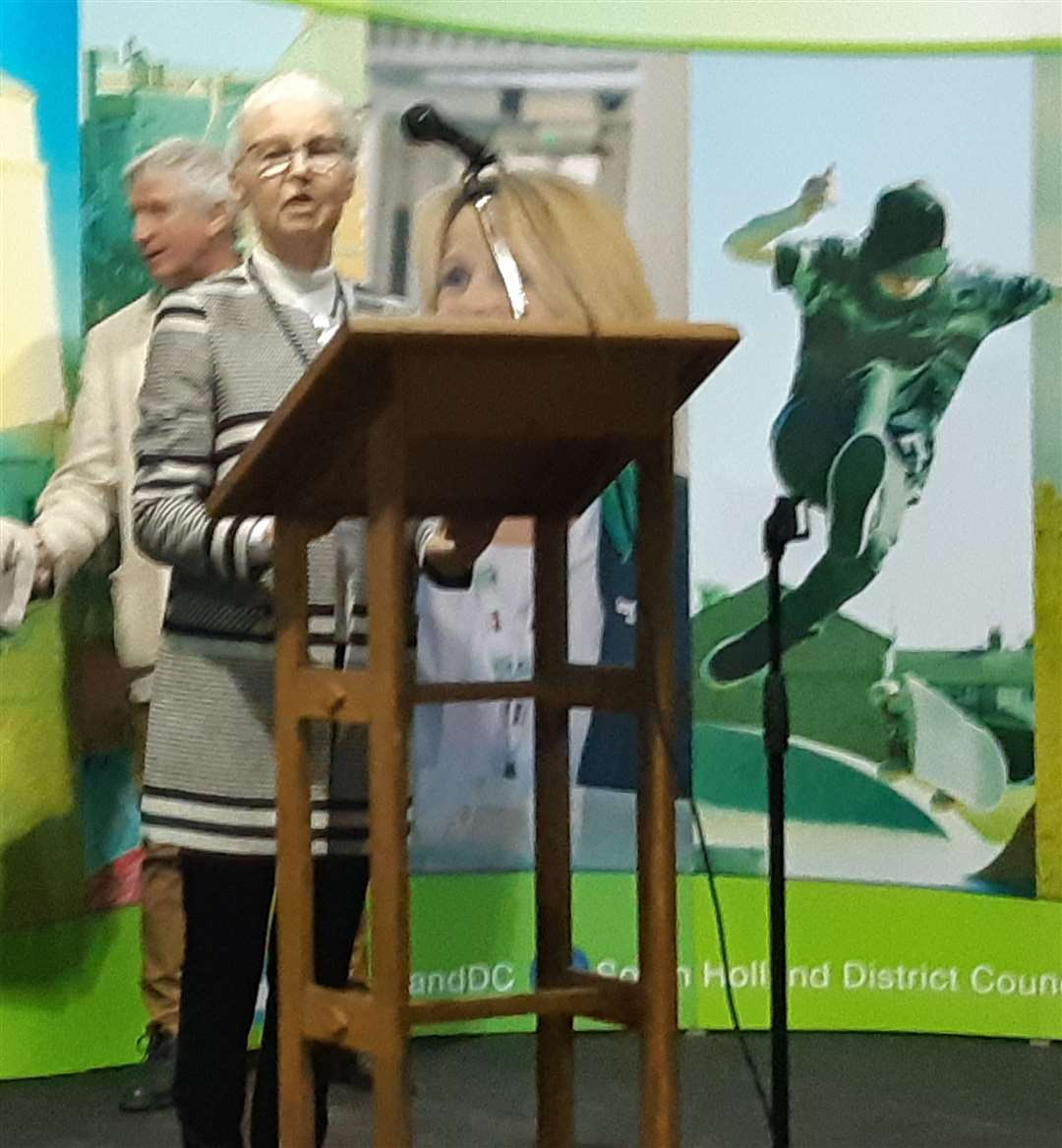 Coun Christine Lawton gives her accpetance speech after she was returned in Spalding Wygate ward. (9587386)
