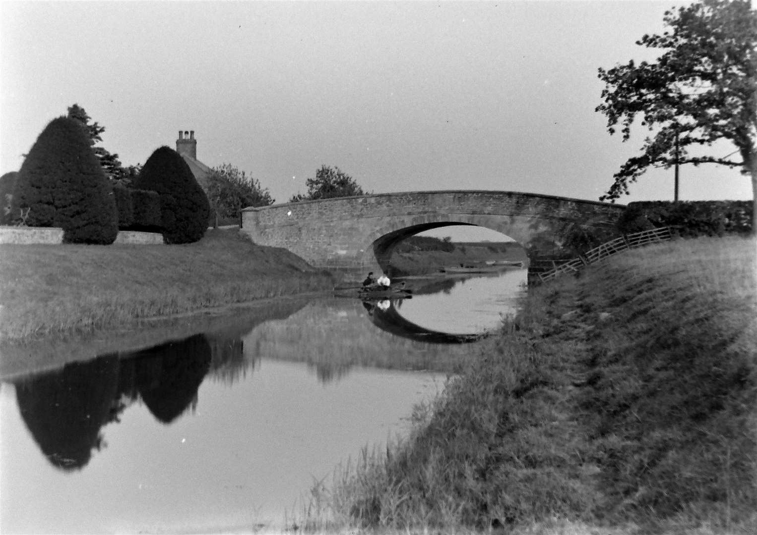 Sharpe's Bridge pictured at the turn of the 20th Century.
