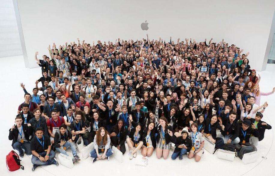 The winning scholars at the Apple Worldwide Developers Conference in California, USA. Photo supplied. (2940128)