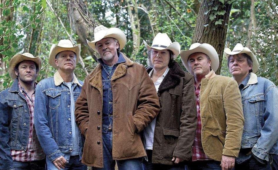 Los Pacaminos and Paul Young come to the South Holland Centre in January. (6000582)
