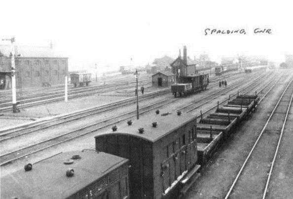 Spalding Station and railway in 1910. Photo courtesy of South Holland Life.