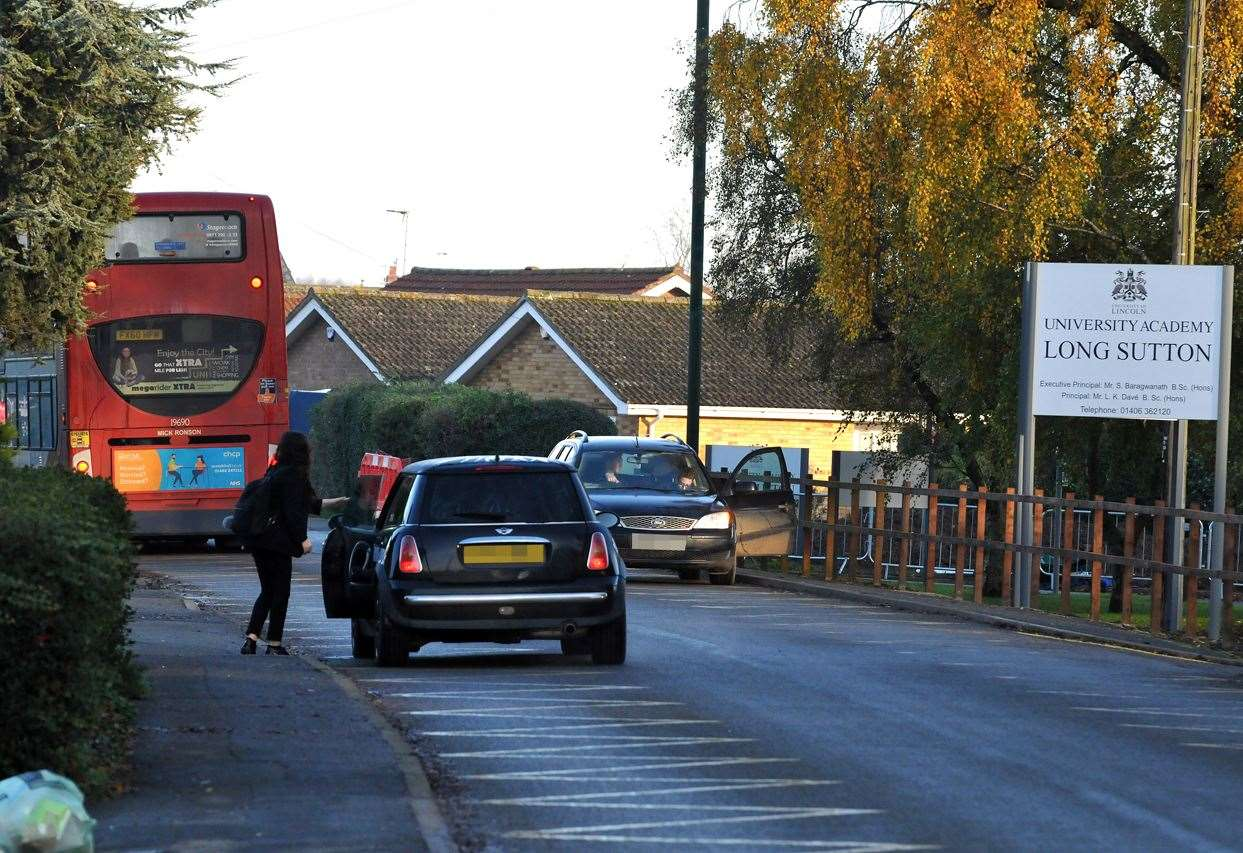 'You need police to nick drivers parking on school zig-zags' - Spalding Today