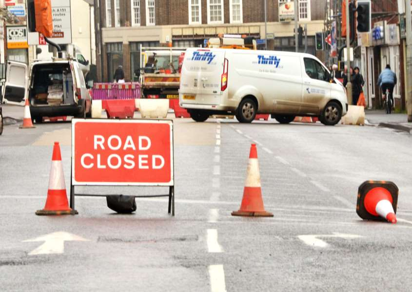 ROAD WORKS: Drivers face disruption while travelling into Spalding after a burst water main led to the partial closure of Winsover Rd at its junction with St Thomas's Road. Photo by Tim Wilson. SG201217-113TW.