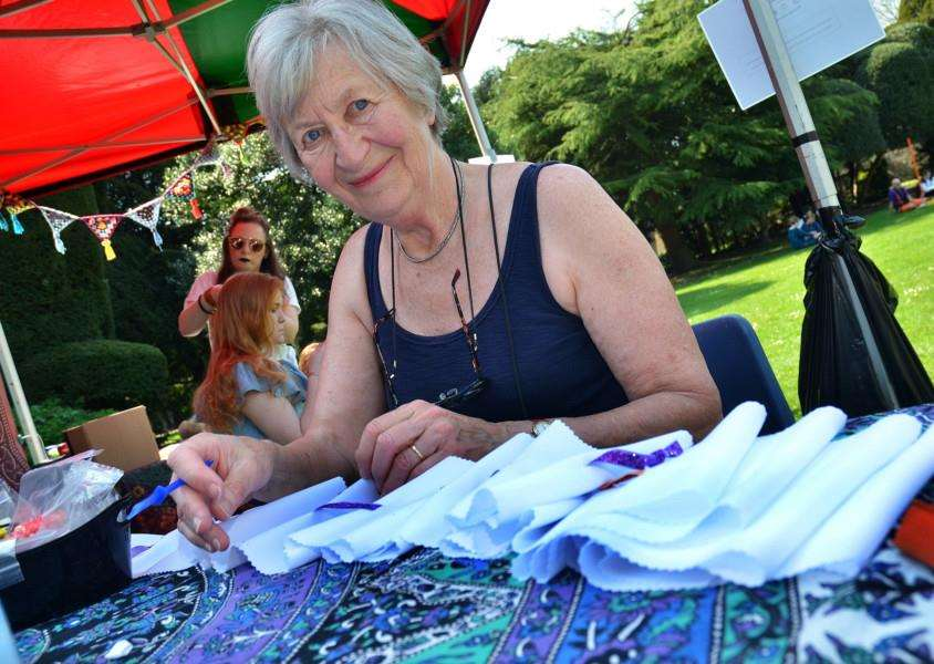EMERGE FESTIVAL: 'Jo Portland makes an Elizabethan fabric collar called a ruff at Ayscoughfee Gardens. Photo by Tim Wilson. SG210418-157TW.