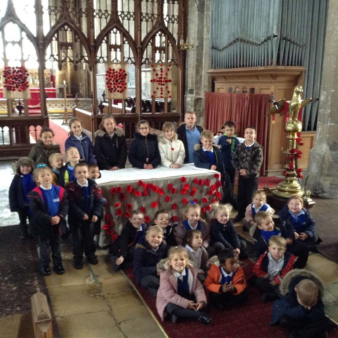 Children from Gedney Primary School who helped decorate the church in readiness for Remembrance Sunday. (5378315)