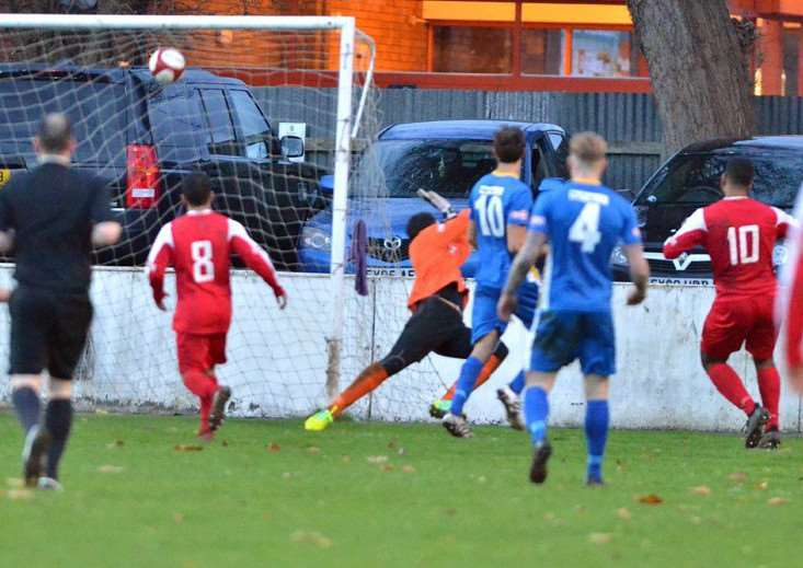 Matt Melbourne scores the equaliser