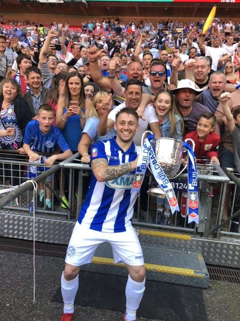 Lewis Brownhill celebrating the Vase victory with Thatcham Town fans (12843574)