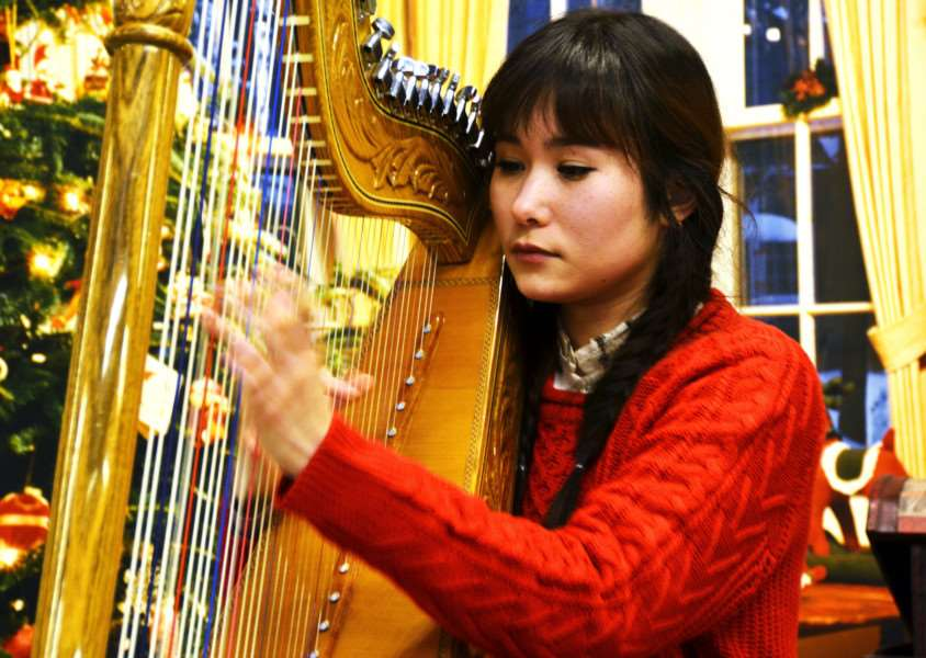 Classically trained musician Niina Chamberlain, born in Japan but now living in Weston, plays the Paraguayan harp at Spalding Lifestyle Centre, Pinchbeck. Photo by Tim Wilson. SG291117-205TW.