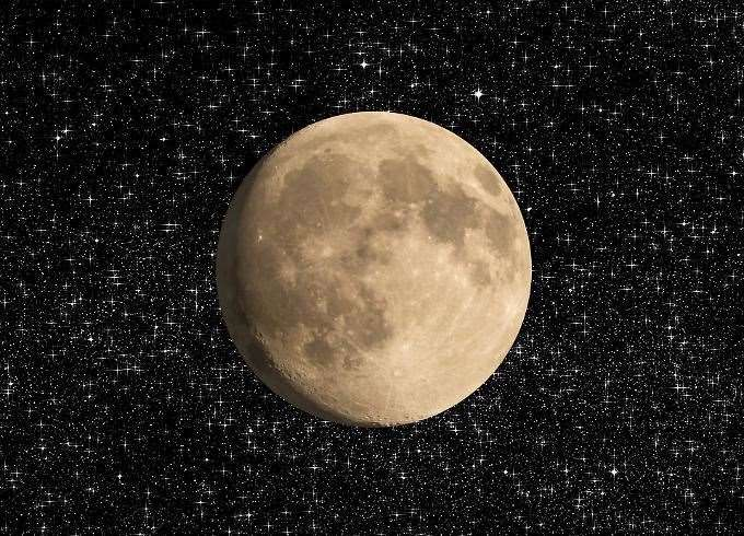 Get set for super pink moon