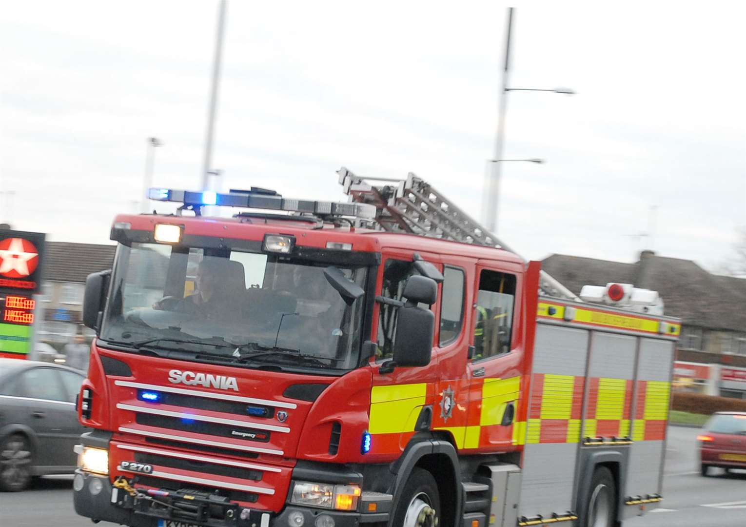 Lincs Fire and Rescue news. (8698409)