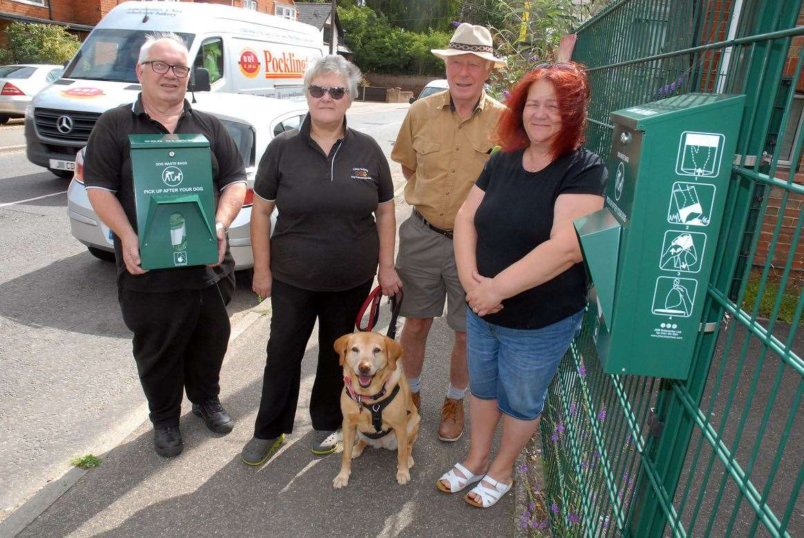New dog mess bag dispensers are to be provided in Moulton, Moulton Chapel and Moulton Seas End.