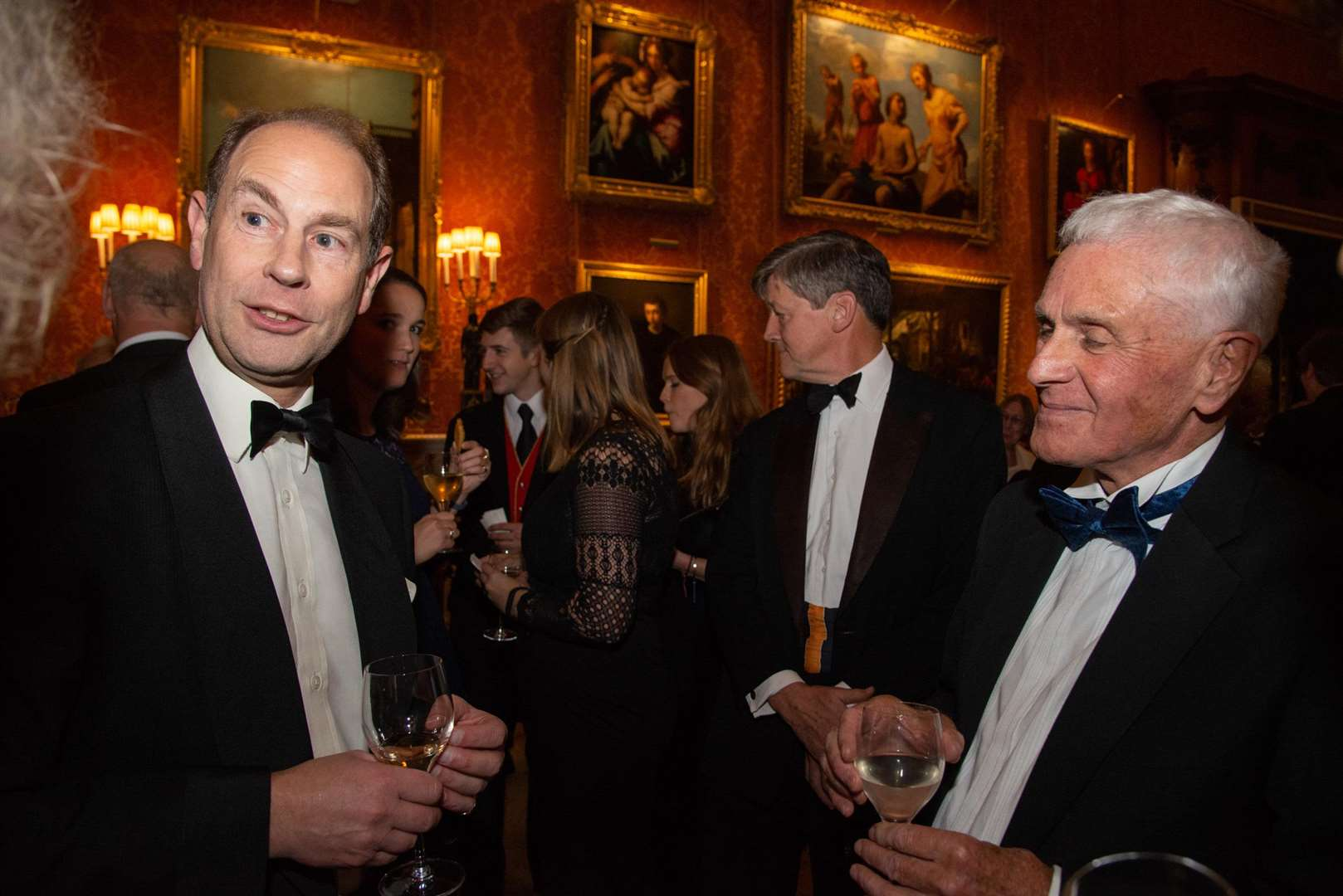 Michael Gibbison chatting to Prince Edward. (6495003)