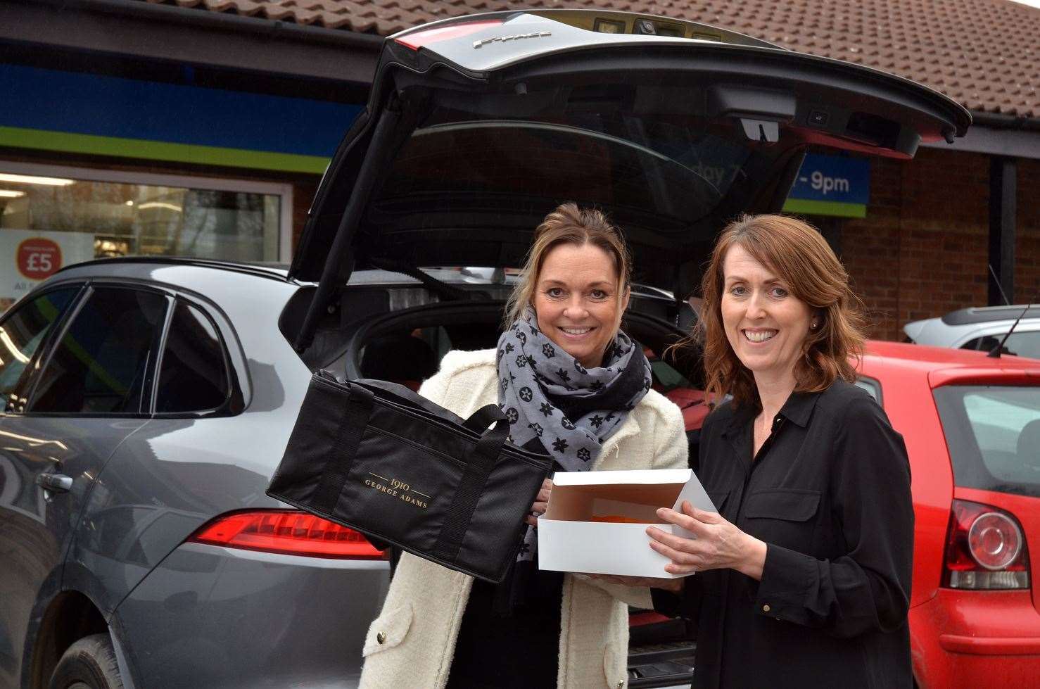 Sharon Tear and Rachelle Chew launching a delivery service. (31882567)