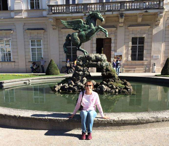 Trish at the Pegasus fountain in Salzburg.