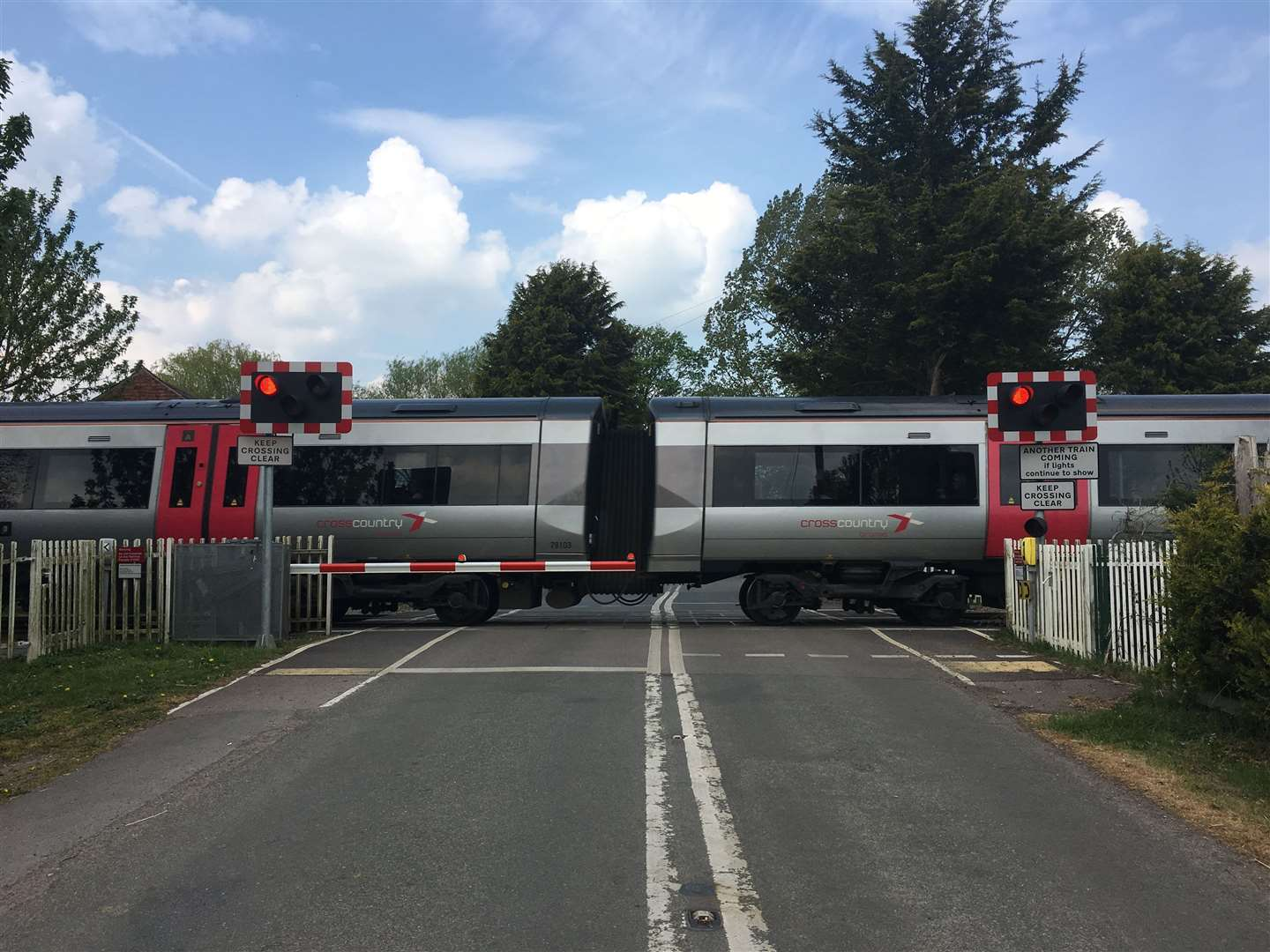 Network Rail is to replace the barrier gates at Swineshead level crossing over the Easter holidays.