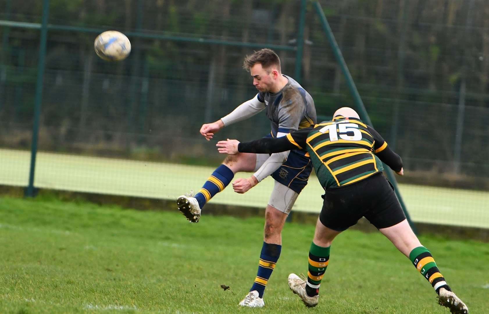 Action from Deepings' Vets against Bourne 2nd XVs at Linchfield Road.Photo by Alan Hancock. (30030671)